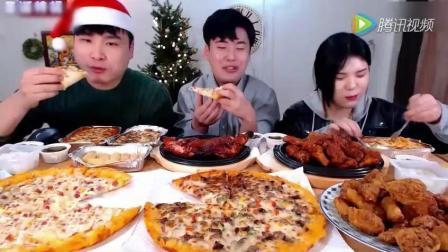 吃货三兄妹的圣诞大餐 芝士拉面一口就是你家一碗