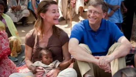 比尔·盖茨 走进非洲与非洲的孩子们共进午餐