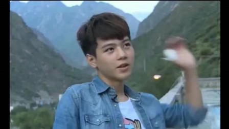 变形计: 第一大帅哥杨桐到学校! 三层楼都布满女学生! 导演看呆了