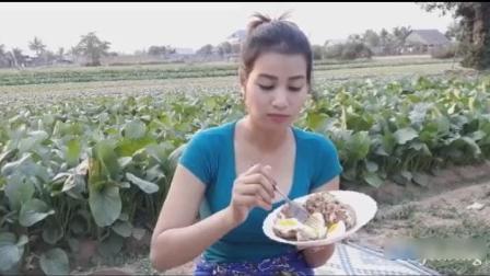柬埔寨长腿性感美女, 户外做肉丸子, 看她是怎么