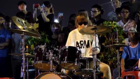 美少女鼓手陈曼青, 徒弟罗小白精彩爵士鼓演绎