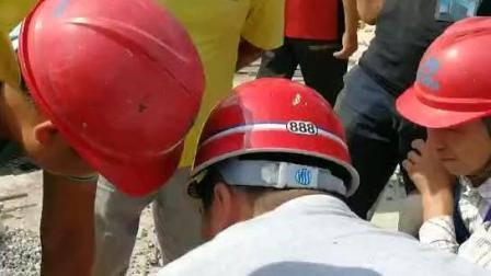 易德筑集团技术人员现场指导河南郑州桑园项目工人使用易德筑模板加固