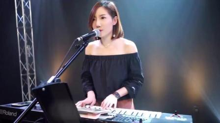 广州美女歌手 翻唱徐小凤《风的季节》很好听