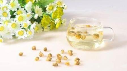 菊花茶的功效与作用: 预防高血压、高血脂、冠心病