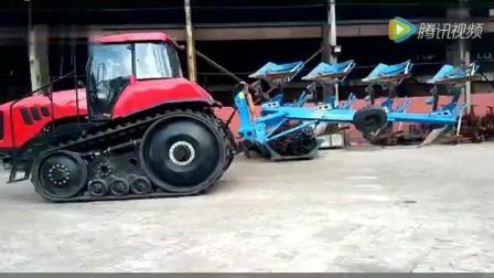 高科技东方红履带拖拉机液压翻转犁, 掘地三尺都不是问题!