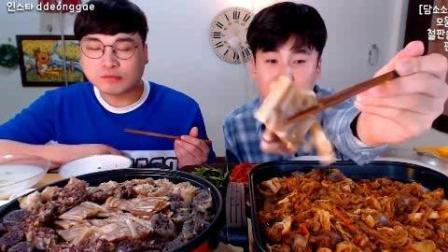 韩国吃播: 豪放派大胃王donkey兄弟吃超多泡菜炒猪肉肠, 猪肉冻等