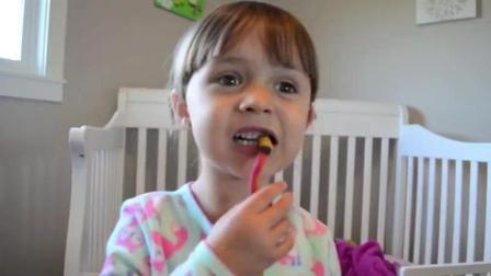 小美女睡着, 蛇钻进嘴巴, 通过咳嗽赶出来后, 小女孩用灭蚊器对付