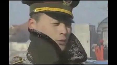 部队首长回家探亲, 被新来的交警把车拦下, 交警领导看了楞了