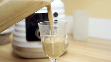 浓浓的红枣豆浆, 给早餐加一杯健康热饮