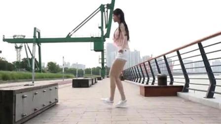 小姑娘跳鬼步舞, 天王盖地虎, 节奏感超级好, 看了你也想学的