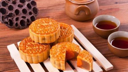 什么馅儿的月饼最好吃, 手把手教你纯手工蛋黄莲蓉月饼怎么做!