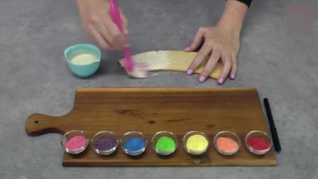 国外牛人制作彩虹糖蛋糕, 这创意, 不是一般人能想得出来