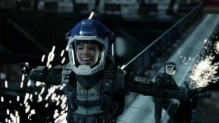 美剧《太空无垠》第一季第四集, 火星军舰不敌未知对手自爆, 霍登一行自救获赠火星新型战舰
