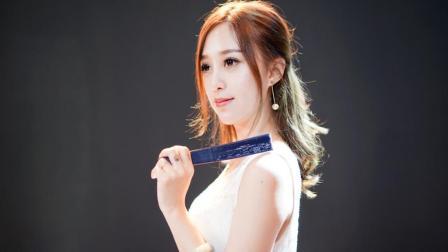 美女翻唱一曲中国风特色的歌曲《半壶纱》禅意绵绵, 净化心灵