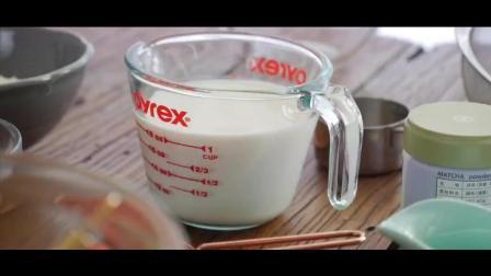 网红甜点抹茶毛巾卷做法好简单啊, 让你一次吃过瘾
