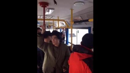 盘点公交车上的奇葩人奇葩事