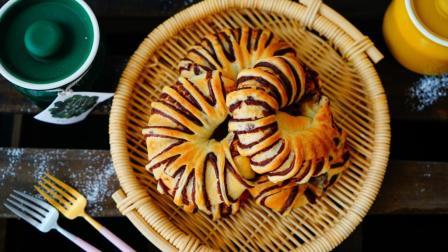 我的日常料理 第一季 面包店里最经典的古早味面包 汤种豆沙花环面包 73