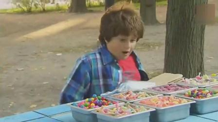 国外街头恶搞, 小朋友几秒钟就吃掉商店所有的糖