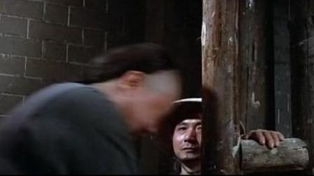 乾隆皇打抱不平, 帮凉粉小贩收钱, 不料被县官关大牢