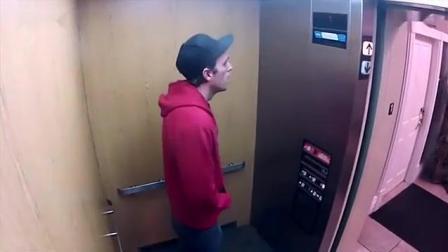 街头恶搞: 小女孩电梯里扮鬼, 终于出事了