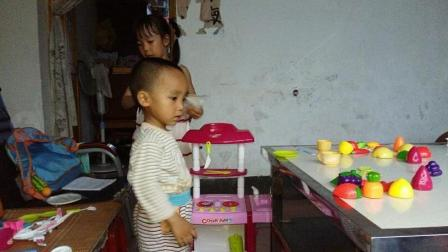 儿童厨房煮饭菜玩具 切割玩具 玩具草莓蛋糕 水果切切看水果忍者 小猪佩奇变色厨房玩具