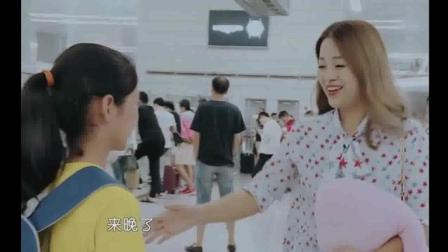 变形计: 富家少年黄润秋家里多有钱, 看他的漂亮妈妈开的跑车, 你就懂了!
