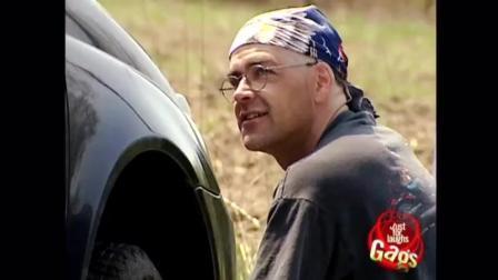 国外整人恶搞 车里的双胞胎 笑到肚子疼