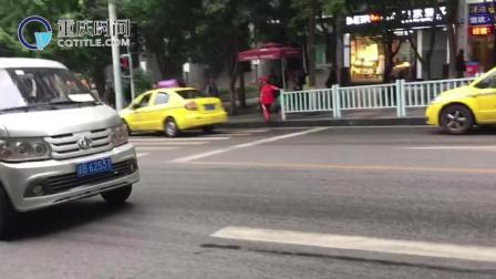 重庆时间 重庆面包车公交 看呆外地乘客