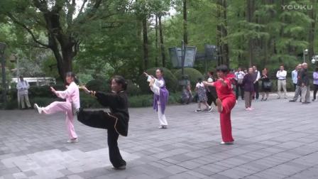42式太极拳 黄采君与姐妹们同练