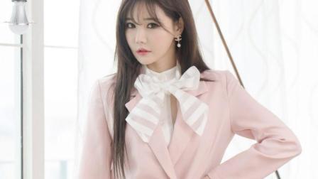 街拍韩国气质美女, 粉色职业装给人不一样的新鲜