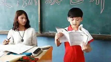 老师让小明上讲台念作文, 老师听完以后差点没晕倒