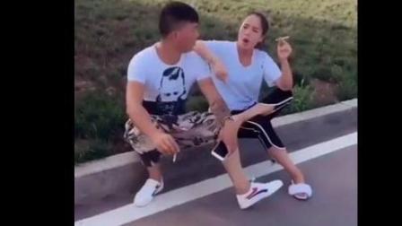 搞笑视频: 18岁以下禁止观看, 笑到喷饭 (117)