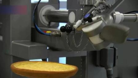 蛋糕制造机你见过吗? 有了这台机器, 蛋糕师傅不用动手做蛋糕了