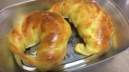 记录自学《手作面包》历程-D43芒果牛角面包