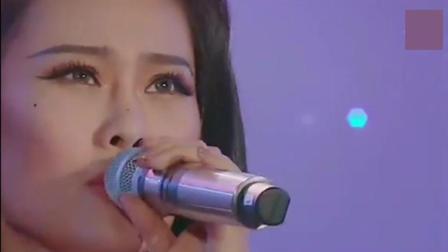 曾被中国好声音淘汰, 但是现在中国好声音的冠军都没有她红!
