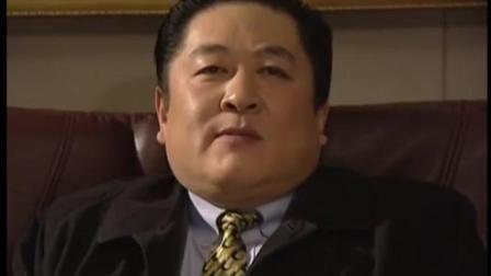 电视剧《黑洞》中刘斌饰演黑社会大哥张峰, 气场强大, 不怒自威