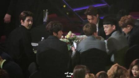 EXO成员们有时候感觉好幼稚 都暻秀最后是在搞破坏吗