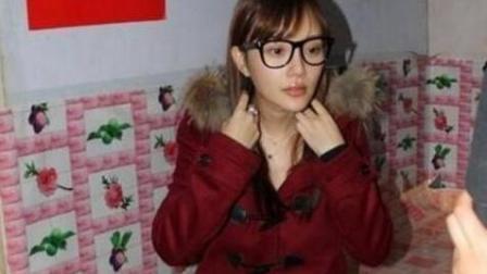 同是回乡: 李湘贵妇装扮饭桌上一脸嫌弃不肯起筷, 李小璐却打脸了