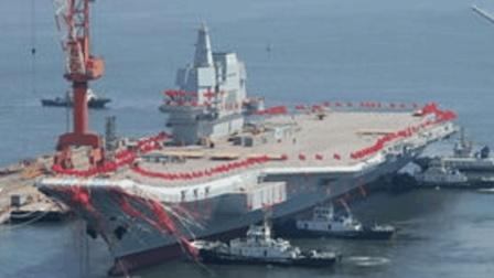 中国海军利器就位!排水量高达万吨,战力独步全球