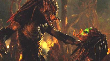 两大铁血种族竟互相残杀 6分钟看完科幻恐怖片《新铁血战士》