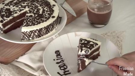 烘培的美食: 巧克力围边奶油蛋糕237