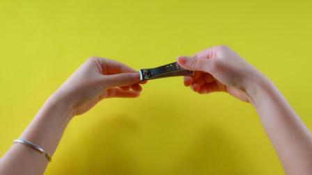 剪指甲的时候指甲乱飞怎么办? 一招教你轻松搞定