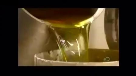 实拍蛋卷冰淇淋筒的机械化生产过程