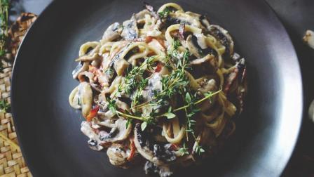 告别番茄意面, 试试这道易上手的火腿蘑菇奶油意大利面