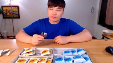 吃货小伙吃高热量饼干, 直接当饭吃