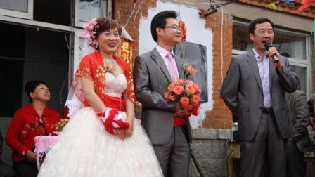 农村结婚又现一恶俗现象! 现在连老奶奶都不放过吗?