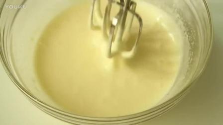 蛋糕裱花教学视频烘焙教学-颜值爆表的草莓鲜奶蛋糕_高清lb0淡奶油打发