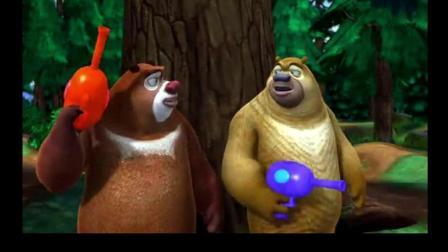 熊出没: 光头强的神器被熊抢走, 还被自己的武器冻住了