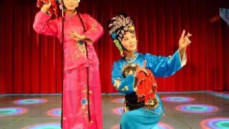 泗州戏 柳琴戏《拾棉花》, 未过门的俩姑娘拉呱, 争说谁先生儿子