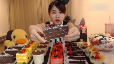 大胃王密子君吃精致的小蛋糕, 差点把蛋糕店搬回家